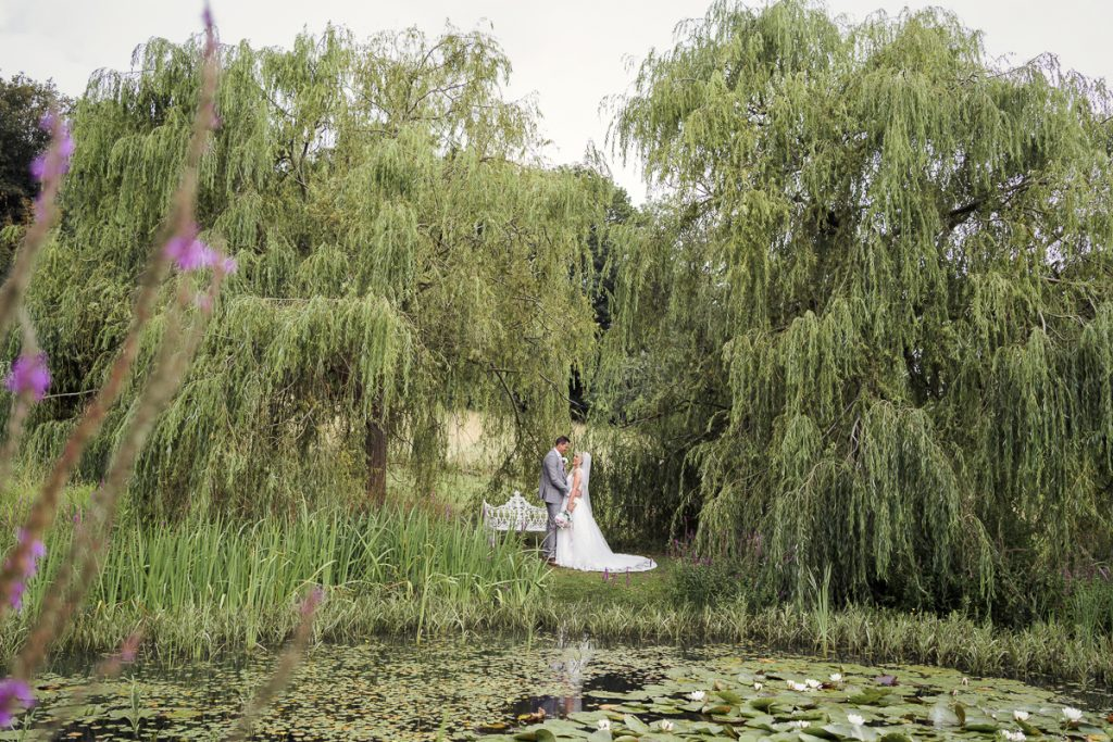 outdoor with the willow trees wedding photography